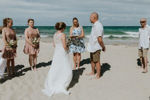 Meelup Beach wedding - photo by The Barefoot Photographer